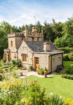 Không gian sống như cổ tích trong tòa lâu đài nhỏ nhất nước Anh