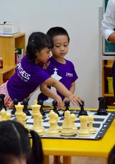 Kiện tướng Lương Nhật Linh: Trẻ có thể học chơi cờ vua từ lúc lên 3