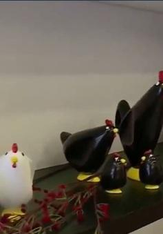 Sản phẩm hình gà đắt khách dịp cận Tết Nguyên đán