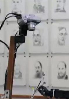 Robot hoạ sĩ vẽ chân dung tại Đức