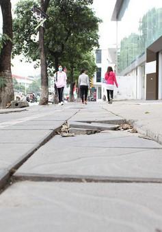 Hà Nội:  Tăng phí sử dụng vỉa hè, lòng đường là cần thiết