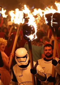 1.000 Viking tham dự Lễ hội lửa tại Scotland