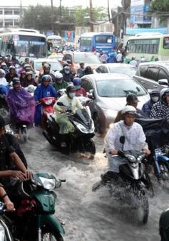 TP.HCM xuất hiện nhiều điểm ngập sau cơn mưa nhanh