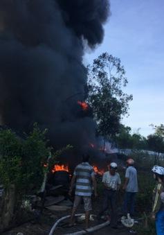 Cháy lớn tại 2 cơ sở kinh doanh lốp xe ô tô ở Quảng Ngãi