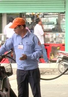Thuế thu từ xăng dầu tăng mạnh sau dán tem đồng hồ