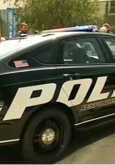 Cảnh sát Los Angeles tuần tra bằng xe điện