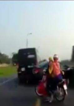 Xe tải chạy ngược chiều, gây tai nạn thương tâm cho đôi nam nữ