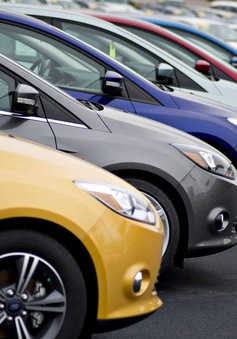 Ô tô nhập về Việt Nam giảm mạnh trước thời điểm thuế 0%