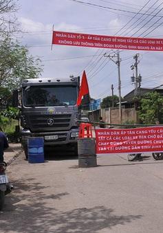 Đồng Nai: Người dân chặn đường xe ben vào mỏ đá