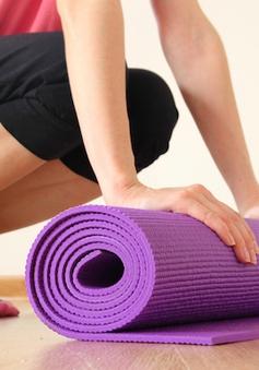 """Mua thảm tập yoga giá rẻ, """"rước"""" luôn đống bệnh tật về nhà"""
