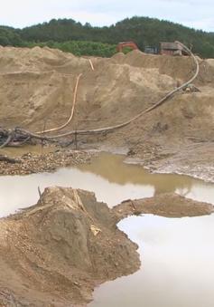 Quảng Nam: Khai thác vàng trái phép cách nhà Chủ tịch huyện vài trăm mét