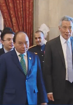 Thủ tướng tiếp song phương tại phiên họp hẹp giữa các nhà lãnh đạo ASEAN và Thủ tướng Ấn Độ