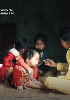Nỗi lòng của những đứa trẻ chờ Tết để được ăn mỳ tôm