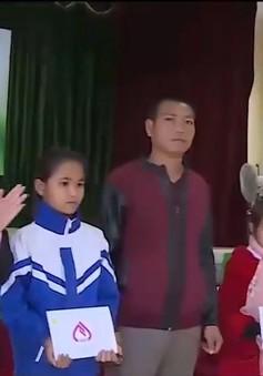 """Cặp lá yêu thương tiếp thêm sức mạnh cho những """"lá chưa lành"""" tại Sơn La"""
