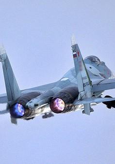 Máy bay Nga chặn máy bay do thám Mỹ trên Biển Đen