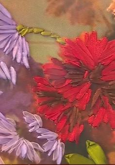 Những bức tranh hoa thêu ruy băng màu nhiệm