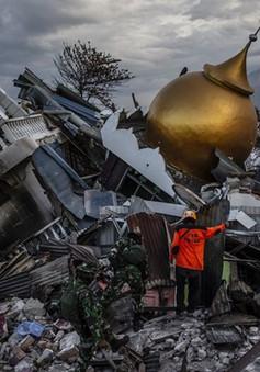 10.000 nhân viên cứu hộ đẩy nhanh tìm kiếm nạn nhân động đất, sóng thần
