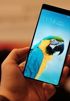 """Cận cảnh """"bom tấn"""" smartphone Bphone 3 của Bkav"""