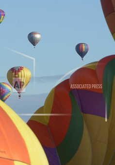 Rực rỡ lễ hội khinh khí cầu lớn nhất thế giới tại Mỹ