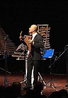 Thưởng thức những bản nhạc cổ điển trên nền âm thanh của tre nứa