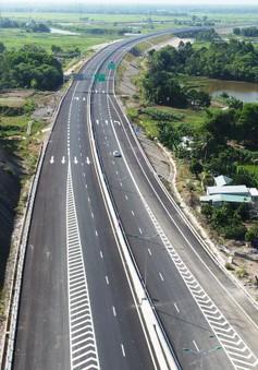 Bác thông tin đắp bùn nền đường cao tốc Đà Nẵng - Quảng Ngãi