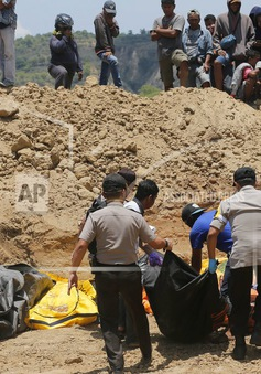 Nhiều khó khăn trong cứu hộ, cứu trợ sau động đất tại Indonesia