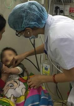 Cấp cứu bệnh nhi 10 tháng tuổi bị sốc phản vệ nguy kịch