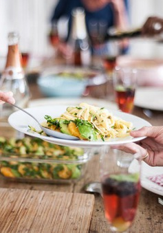 8 mẹo giúp kiềm chế việc ăn quá nhiều