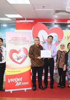 Vietjet chuyển hàng cứu trợ đến Indonesia