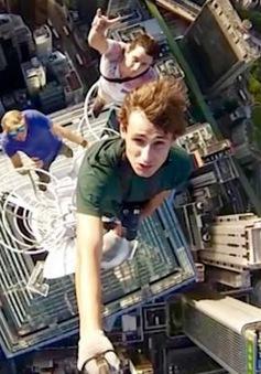 Những màn chụp ảnh selfie nguy hiểm bất chấp tính mạng