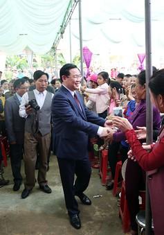 Phó Thủ tướng chung vui Ngày hội Đại đoàn kết ở Hiến Sơn (Nghệ An)