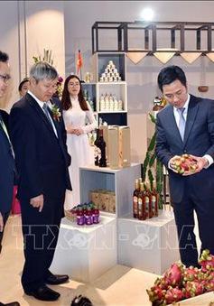 Khai trương Gian hàng Việt Nam tại Trung tâm thương mại toàn cầu ở Thượng Hải