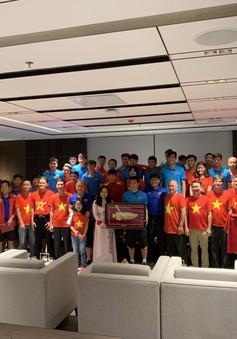 Đại sứ Việt Nam tại Myanmar gặp gỡ ĐT bóng đá Việt Nam