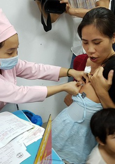 Hậu Giang: Hơn 2.000 trẻ phải tạm hoãn tiêm vaccine 5 trong 1
