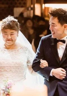 """Chuyện tình cổ tích của """"cô nàng xấu xí"""" xứ Hàn với bạn diễn điển trai"""