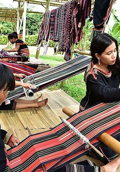 Lễ hội văn hóa thổ cẩm Việt Nam lần đầu tiên được tổ chức tại Đắk Nông