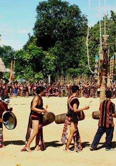 Buôn làng rộn ràng cho ngày hội cồng chiêng
