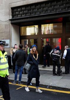 Tấn công bằng dao ở London, Anh
