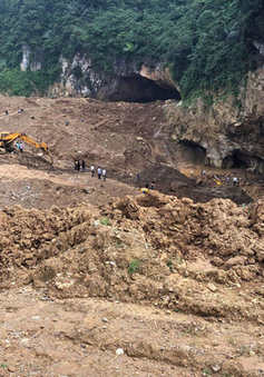 Công tác tìm kiếm nạn nhân vụ sập hầm vàng tại Hòa Bình vẫn bế tắc