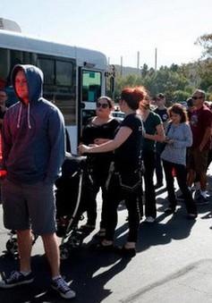Người dân Mỹ hiến máu sau vụ xả súng tại California