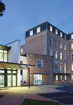 Trường Đại học đầu tiên tại Anh bỏ qua điểm A-level trong tuyển sinh