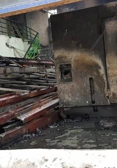 Cháy lớn gần trụ sở VFF: 2 ô tô bị thiêu rụi, không có thiệt hại về người