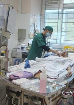 Ăn tiết canh lợn, người đàn ông nhập viện trong tình trạng nguy kịch