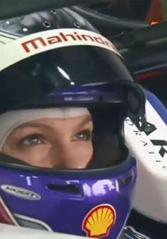 Các tay lái nữ thử sức với thể thức đua Formula E