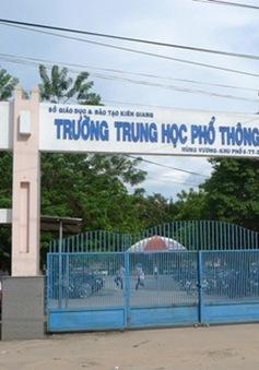 Kiên Giang: 473 học sinh lớp 11 phải thi lại do lộ đề môn Toán