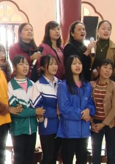 Tất bật không khí chuẩn bị cho lễ Giáng sinh tại Nam Định