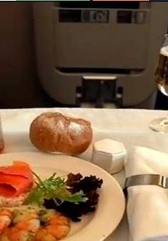 Những loại thực phẩm không nên ăn trên chuyến bay