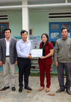 Quỹ Tấm lòng Việt trao quà cho trường Mẫu giáo Bình An (Quảng Nam) sau trận lũ lịch sử