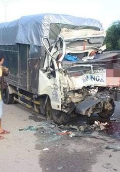 Ô tô tải đối đầu xe đầu kéo, 2 người thiệt mạng tại chỗ