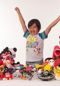 Cậu bé 7 tuổi kiếm nhiều tiền nhất YouTube